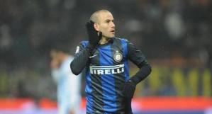 Palacio esulta dopo il gol giunto grazie a un bel velo di Cassano