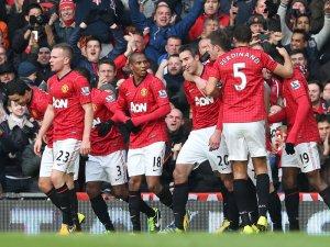 Manchester-United-v-Liverpool-Robin-van-Persi_2885345