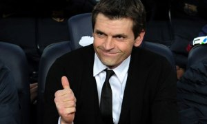 Tito Vilanova gives the thumbs up